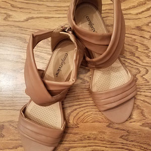 Comfortview Tan Sandals with Zipper Back